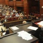 """""""الإخوان المسلمون على خطى مبارك"""" منظمات حقوق الإنسان والأحزاب السياسية تتضامن مع الصحفيين والإعلاميين ضد محاولات الهيمنة السلطوية الجديدة"""