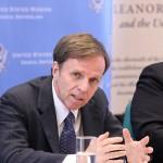 مساعد وزير الخارجية الأمريكية يجتمع مع عدد من منظمات حقوق الإنسان