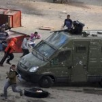 السلطات المصرية تغض البصر عن انتهاكات الشرطة في بورسعيد <br> الشهود يصفون وقائع القتل على أيدي الشرطة في بورسعيد